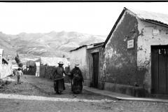 yanque-street-bw